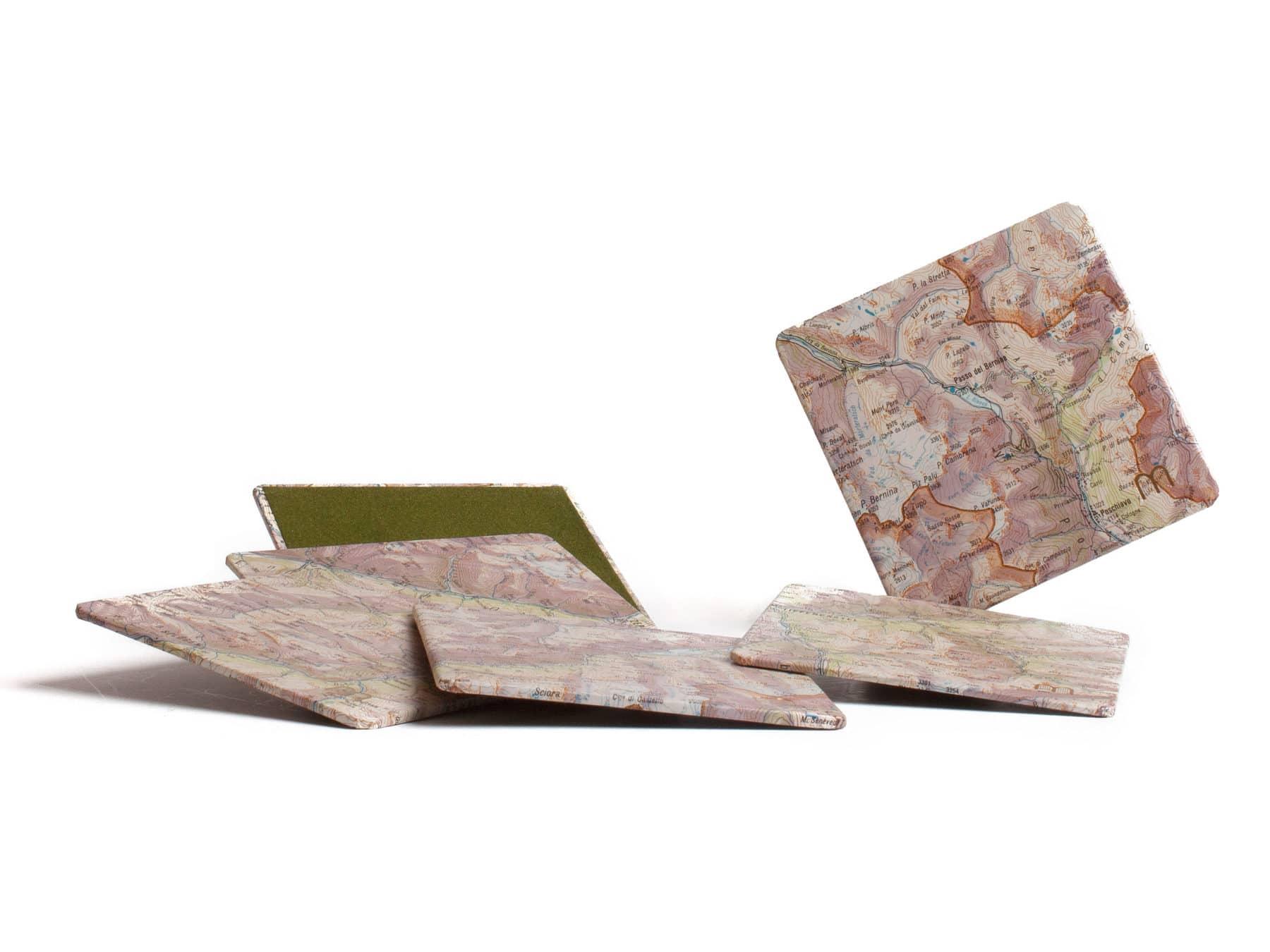 Glasuntersetzer Schweiz aus alten Schweizer Landkarten Recycling Upcycling Schweiz KURTS.ch
