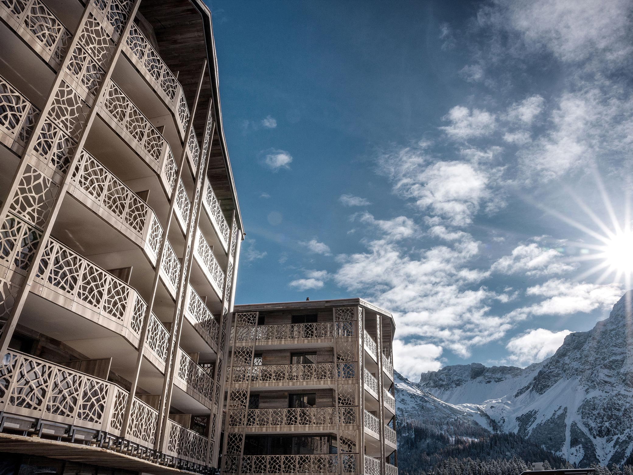 Valsana Hotel Arosa Aussenansicht Winter KURTS